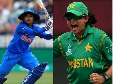 India captain Mithali Raj (L) and Pakistan skipper Sana Mir (R). Twitter/@CricketWorldCup