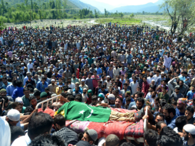 The funeral procession of Bashir Lashkeri, a top Lashkar-e-Taiba commander, in Soafshali in Kokernag Anantnag. Photo courtesy: Hilal Shah
