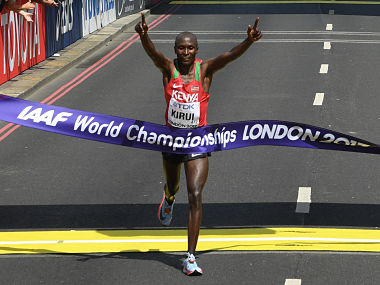 Kenya's Geoffrey Kipkorir Kirui wins the men's marathon athletics event at the 2017 IAAF World Championships in central London on August 6, 2017. / AFP PHOTO / Glyn KIRK