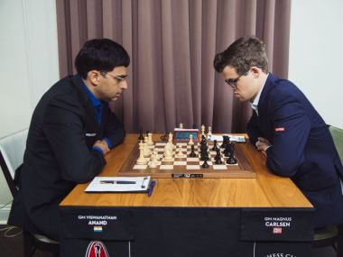 Viswanathan Anand had to dig hard and defend doggedly to draw a pawn down ending against World Champion Magnus Carlsen. Image courtesy: Lennart Ootes