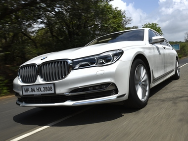The BMW 740Li 'DPE Signature' trim its got a more elegant looking design and plenty of tastefully laid out chrome which makes it appear more premium.