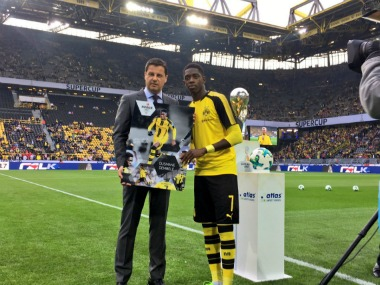 Barcelona's interest in Ousmane Dembele made him skip training, resulting in getting a from Borussia Dortmund. Twitter/@BVB