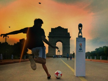The FIFA U-17 World Cup Trophy will be at India Gate this Sunday, 20 August. Image Courtesy: Twitter/@IndianFootball