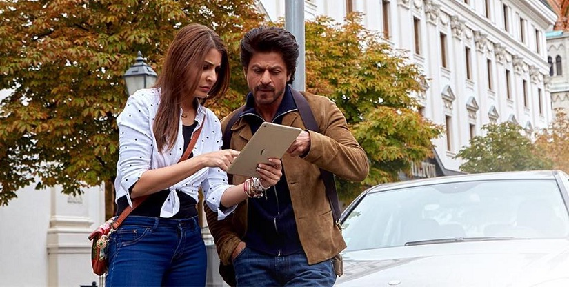 Anushka Sharma and Shah Ruh Khan in Jab Harry Met Sejal. Image via Facebook