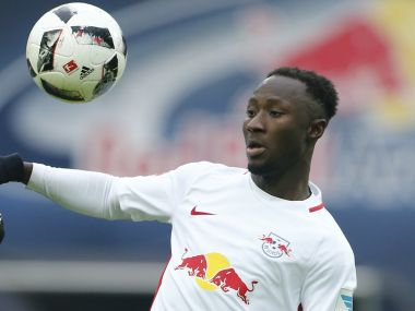 Football Soccer - RB Leipzig v Hamburg SV - German Bundesliga - Red Bull Arena, Leipzig, Germany - 11/02/17 - Leipzig's Naby Deco Keita in action with Hamburgs's Walace. REUTERS/Hannibal Hanschke DFL RULES TO LIMIT THE ONLINE USAGE DURING MATCH TIME TO 15 PICTURES PER GAME. IMAGE SEQUENCES TO SIMULATE VIDEO IS NOT ALLOWED AT ANY TIME. FOR FURTHER QUERIES PLEASE CONTACT DFL DIRECTLY AT + 49 69 650050. - RTSY644