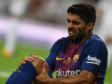 Luis Suarez will be out for 1 month. Twitter/@SquawkaNews