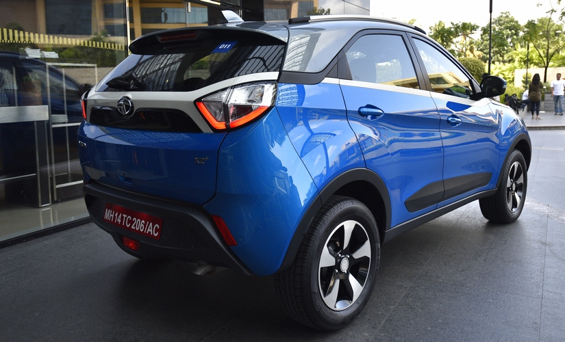 The Tata Nexon eatures include door lock-unlock sensors on both the front doors and boot, a new key fob with remote boot unlock function.