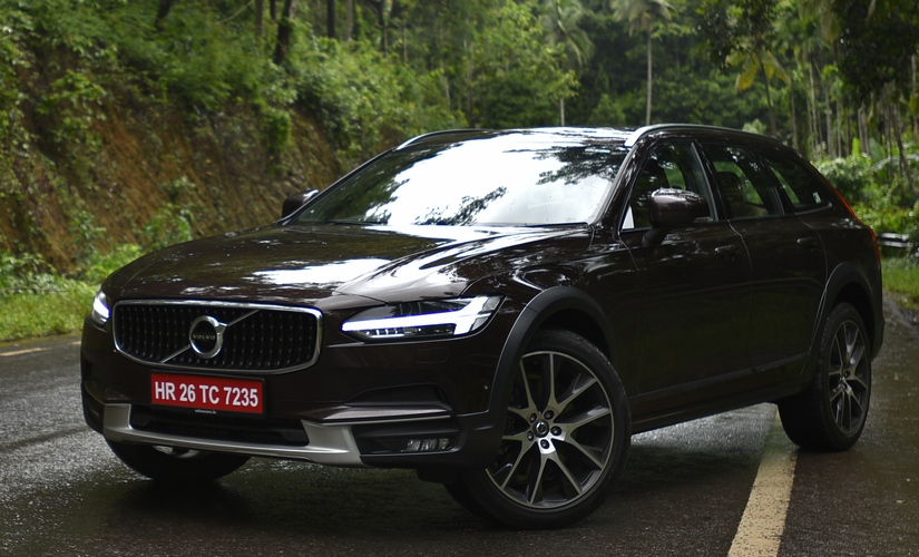 Volvo V90 Cross Country 825 1