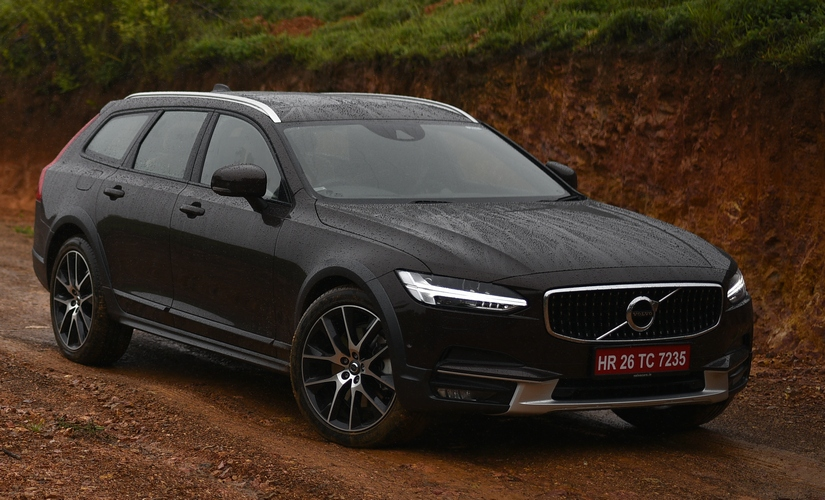 Volvo V90 Cross Country 825 3