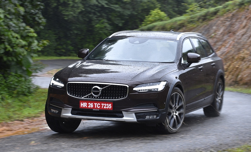 Volvo V90 Cross Country 825 4