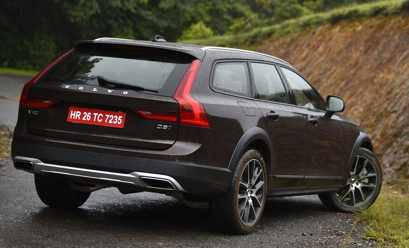 Volvo V90 Cross Country 825 5