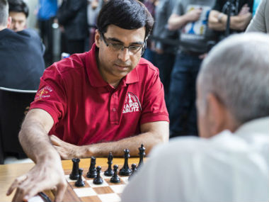 Viswanathan Anand in action at the Saint Louis Rapid and Blitz.