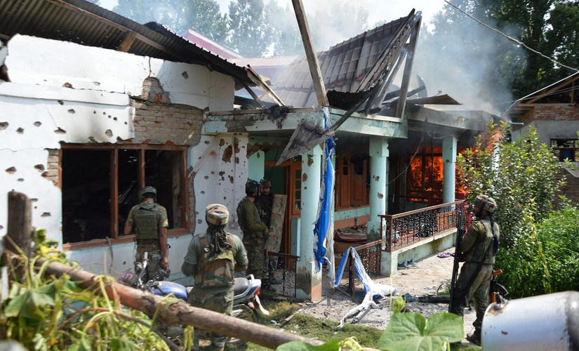 Security forces during the Pulwama encounter. Shah Hilal