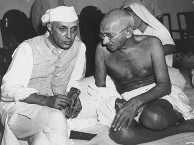 File image of Jawaharlal Nehru and MK Gandhi. IBN live