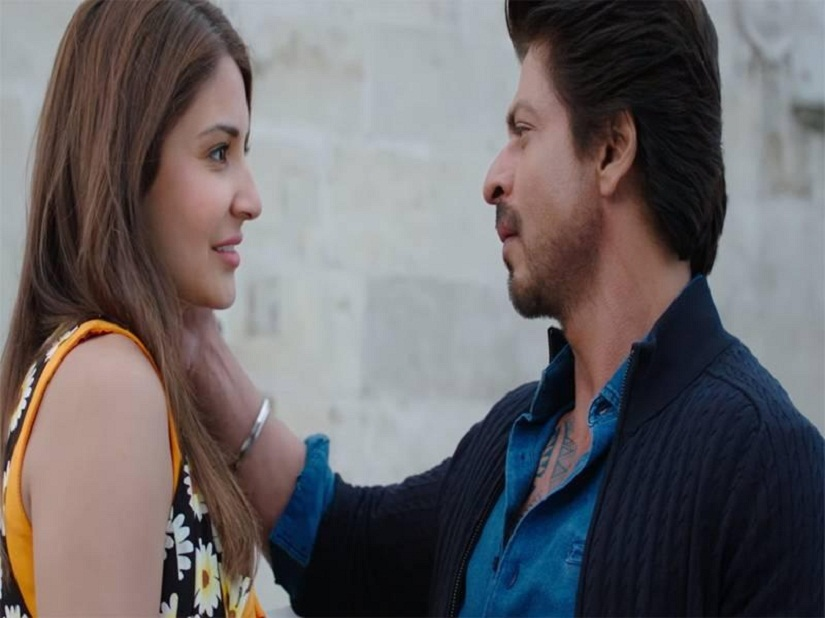 Anushka Sharma and Shah Rukh Khan in a still from Jab Harry Met Sejal. YouTube