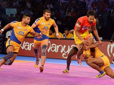 Tamil Thalaivas eked out a narrow victory over Gujarat Fortunegiants in their last match. Image courtesy: Pro Kabaddi website.