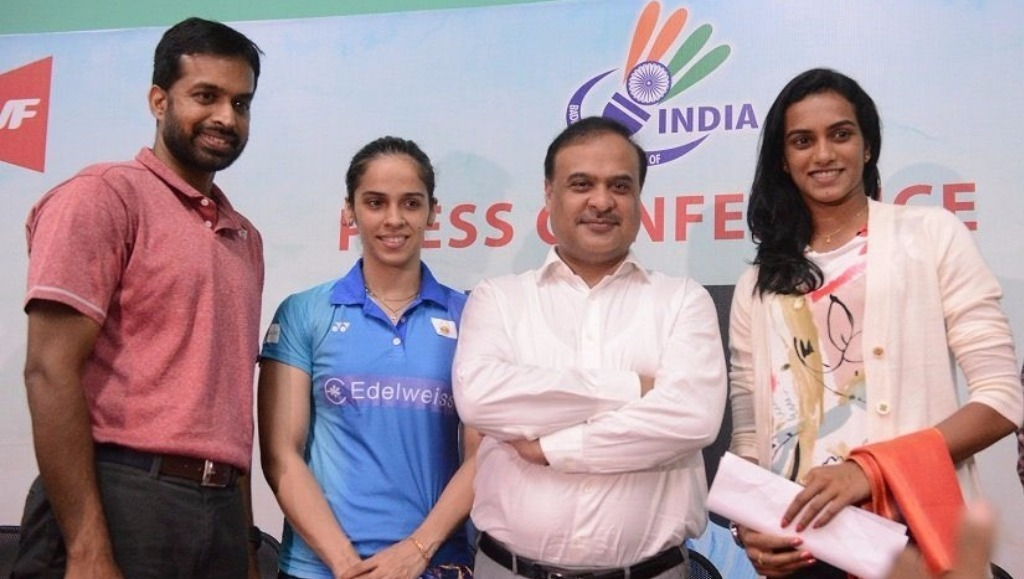 Pullela Gopichand, Saina Nehwal, Badminton Association of India president Himanta Biswas Sarma and PV Sindhu pose after a press conference in Hyderabad — @BAIMedia