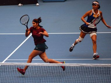 Top seeds Martina Hingis and Chan Yung-jan reached the doubles final after a 2-6, 6-1, 10-5 win over Sania Mirza & Peng Shuai. Twitter @ChinaOpen