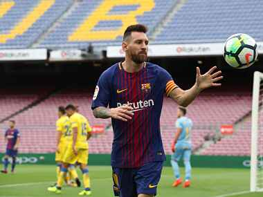 Soccer Football - La Liga Santander - FC Barcelona vs Las Palmas - Camp Nou, Barcelona, Spain - October 1, 2017 Barcelona's Lionel Messi during the match REUTERS/Albert Gea - RC13246C1D00