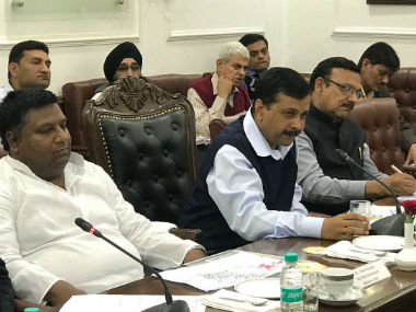 Delhi chief minister Arvind Kejriwal at his meeting with Haryana chief minister Manohar Lal Khattar. Twitter @aamaadmiparty