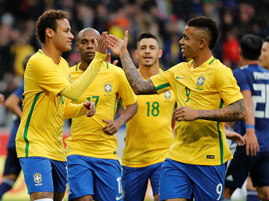 Soccer Football - International Friendly - Brazil vs Japan - Stade Pierre-Mauroy, Lille, France - November 10, 2017 Brazil's Neymar celebrates with Gabriel Jesus after scoring their first goal REUTERS/Yves Herman - RC1D959E5B40