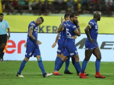 Balwant Singh of Mumbai City FC celebrates the goal with teammates during match with Kerala Blasters FC. Image courtesy: ISL/Sportzpics