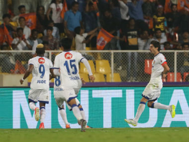 Henrique Sereno of Chennaiyin FC celebrates with his teammates after scoring against FC Pune City. ISL