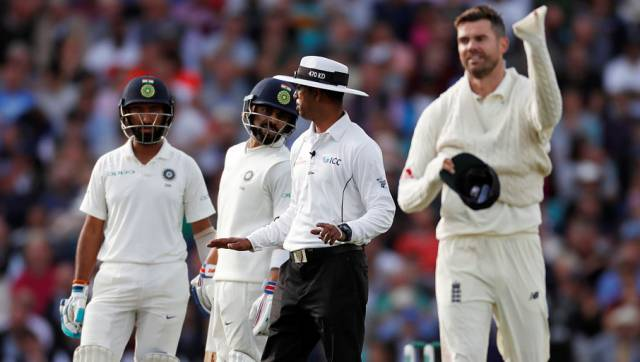 Cricket - England v India - Fifth Test - Kia Oval, London, Britain - September 8, 2018 India's Virat Kohli talks to England's James Anderson Action Images via Reuters/Paul Childs - RC13B7D417B0