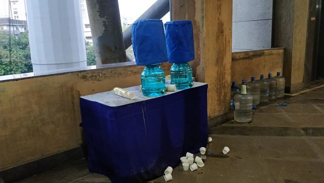 Free water with plastic glasses. No recyclebins in the picture. Image courtesy: Noth Stand Gang